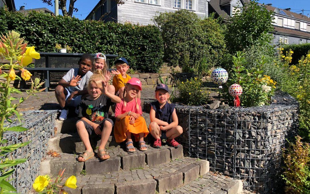 Mosaikkugeln für die Dorfgemeinschaft Wülfringhausen